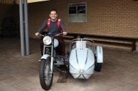 André foi pela moto voadora!