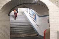 Saída de uma estação de metrô parisiense