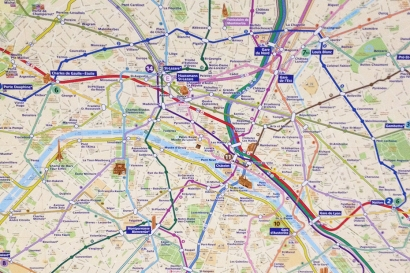 Mapa na estação Gare du Nord, chegando em Paris.