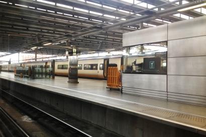 Já na estação St. Pancras, aguardando a chegada do trem!